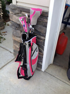 Golf Clubs Young Girl's: Clubs 5-8 yrs old Like New