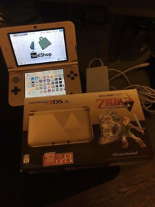 NINTENDO 3DS XL (ZELDA EDITION) Modded with a TON of games
