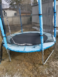 Free Small trampoline approx 8ft