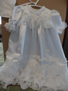 Christening  /  Baptism  Girls  Gown 9 months size