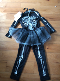 M&S kids Halloween costume age 3-4 new with tags
