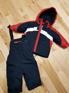 12 month snow suit (brand new)