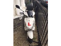 Peugeot Kisbee 100 scooter moped 2013 with topbox and helmet