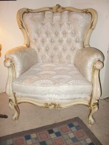 Beautiful 'Antique Rococo' Style Chair { DELIVERY Avail]