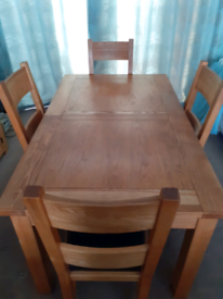 Solid oak Extending dining table oak and 4 chairs