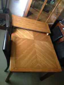 Dining table chairs & cabinet Cambridge Kitchener Area image 2