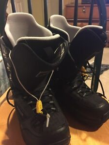 Burton snowboard boots size size 7 men's