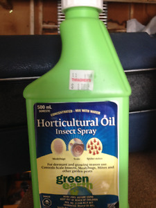 Plant Food Oil/Skoot Insect Herbicide &WilsonsFugisicdeSpray