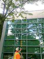 *MOBILE PRESSURE WASHING/ WINDOW CLEANING*