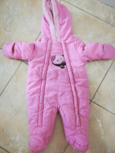 Brand new 0-3month girl snowsuit