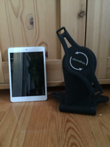 iPad Mini & Black Mount