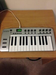 M-Audio mobile midi controller