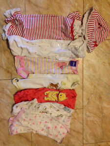 Box of baby girl size 3 months to 12 months clothes. Kitchener / Waterloo Kitchener Area image 5