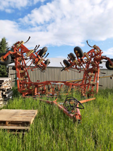 Bourgault 9400 Cultivator