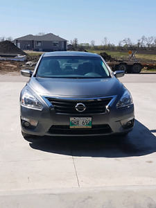 $13800 2015 Nissan altima s 2.5 for sale or trade for truck
