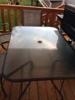 Patio table great condition 175