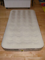 Matelas gonflable Coleman airbed