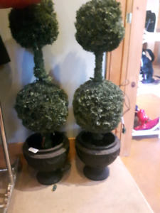 Indoor/Outdoor Trees with light * Like New *