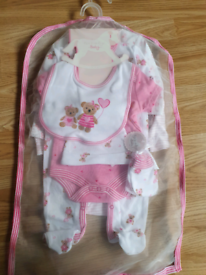 Brand new baby clothes 0-3