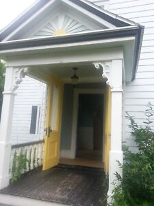 Beautiful 5 bedroom house located within 5 minutes of Acadia.