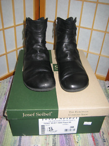Josef Seibel ankle boots, womens