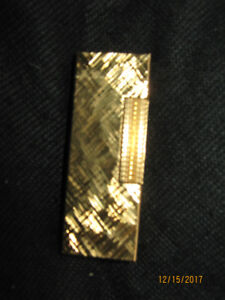 NEW Classic 1970 Dunhill Lighter, Gold-plate, Swiss-made