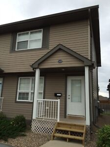 END UNIT TOWNHOUSE IN MACCORMACK RANCH, MARTENSVILLE
