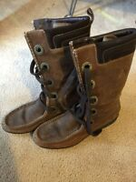 Cole Haan Boots brown size 6.5