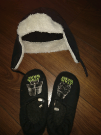 Kids winter hat and slippers