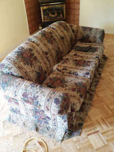 Free House Furniture and Items-PICK UP ONLY.