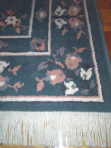 Carpet rug tapis green tropical