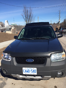 2005 Ford Escape XLT as is! Great shape!