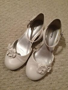 Girls size 3 White Dress Shoes