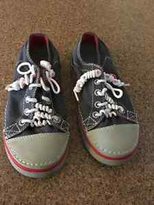 Crocs Lace Up Runners Size 1 Kids Strathcona County Edmonton Area image 1