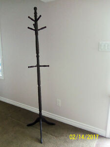 Beautiful Dark Wood Coat/Hat Rack