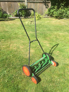 "Scott's 20"" Classic push reel mower"