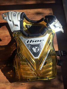 Thor Aftershock chest protector Fits 100-200 lbs.
