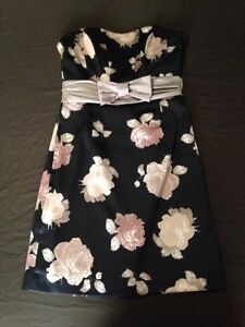 Women's dresses-size small