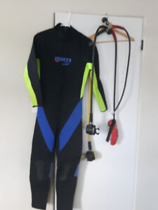 Mares Wet Suit and Regs