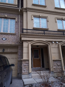 Beautiful Townhouse Available in Pickering!!