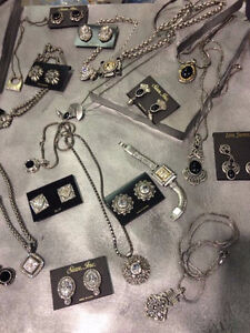 Inventory of high fashion quality jewelery (private ligne)