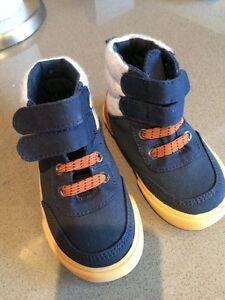 Size 6 Brand new! Boys shoes- Old navy