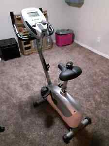 Schwinn® A15 Upright Bike for sale. Excellent Condition London Ontario image 6