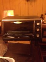 Compact toaster oven just like new