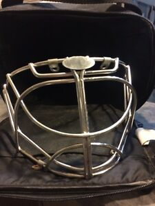 Non certified Itech/Bauer Cat eye cage