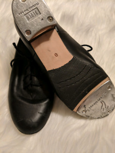 Bloch tap shoes, sizes 6,7, and 8