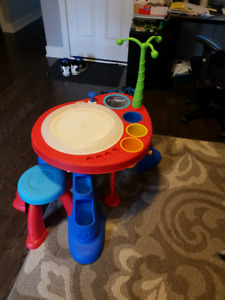 Little tikes art table