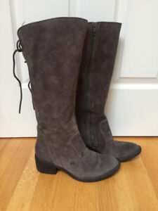 Women's suede boots, Grey, size 9.5/10