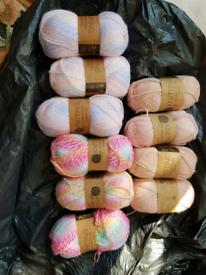 30+balls of wool