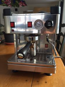 Machine à café Wega Mini Nova semi-automatique
